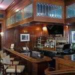 The Cobblestone Bar and Grill照片