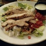 Cobb salad without bacon..lots of chicken!