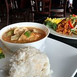 Lunch Panang Curry & Lunch Pad Thai
