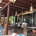 Del Place Bar and Restaurant resmi