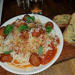 Spagetti and meatballs. Big quantity but at $26 daylight robbery. Bland tasting.