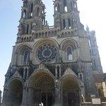 l'avant de la cathédrale ce monument est de toute beautée