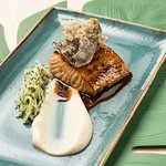 Salmon marinated in soy sauce and honey with celeriac purée and kohlrabi salad