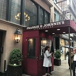 Frankie & Johnnie's Steakhouse resmi