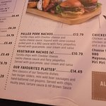 Unfortunately the 'favourites platter' that arrived was nothing like the menu promised. 1/4 burg