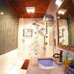 天字1号房卫生间(浴室)含全套多芬洗浴品