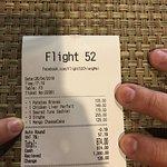 ภาพถ่ายของ Flight 52