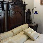 Camera 1: matrimoniale con letto aggiunto.