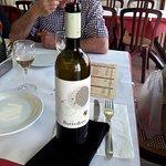 Vino blanco de Huelva.Muy fino y agradable.