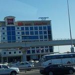 Вид Отеля с Sheikh Zayed Rd