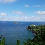 Vista do clube Costa Brava na península à direita