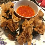Golden bags (Tung-Tong) with homemade sweet chili sauce