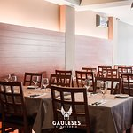 A cosy environment where you can try our traditional Portuguese delicacies