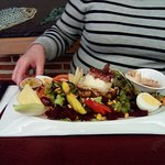 Salade de chèvre chaud aux fruits....