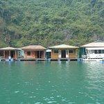 ภาพถ่ายของ Cua Van Floating Village