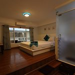 The booked Premier Deluxe Double Room ($ 30)