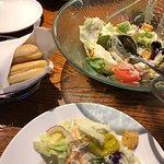 The best part of the meal – Salad & Breadsticks