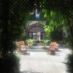 The courtyard in L'Encarnation.