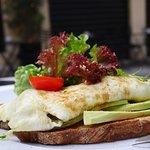 EGG WHITE OMELETTE GRILLED VEGGIES | AVOCADO | BREAD TOAST