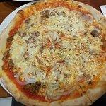 Pizza Tonno mit Zwiebeln
