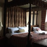 Room 3 four poster bed