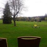 Blick auf Terrasse & Golfplatz