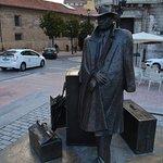 Estatuas de Oviedo. Viajante.
