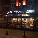 Cafe du Port at the Hotel Limani resmi