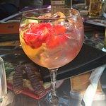Happy Bar & Grill Victoria Foto