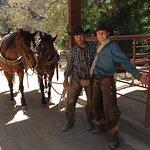 ภาพถ่ายของ Circle Bar B Guest Ranch & Stables