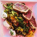 Vegetable linguine with seared tuna