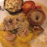 Bacalhau e camarão com musselini de mandioquinha
