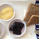 grain bread with excellent mulberry jam