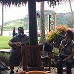Photo de Duke's Kauai