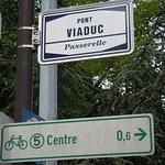Plaque rue rue de localisation du pont