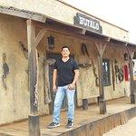 صورة فوتوغرافية لـ Walk the Old West