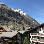 Romantik Hotel Julen: We enjoyed our stay. Amazing view of the Matterhorn. We really lucked out. We also enjoyed the s