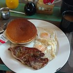 2 eggs, 2 pancakes, steak