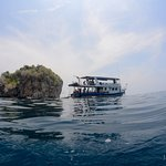 Travelling around PhiPhi