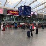 صورة فوتوغرافية لـ Manchester Piccadilly Station