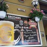 Bar com atendimento de nosso amigo Donato.