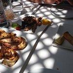6 crevettes grillées, poulpe grillé et doigts de sirène