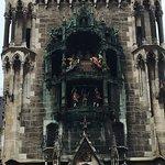 ภาพถ่ายของ Glockenspiel im Rathausturm