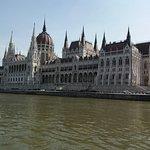 il Parlamento ..raggiungibile a piedi 30 minuti