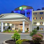 Holiday Inn Express Hotel & Suites Watertown-Thousand Islands