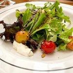 A salada estava deliciosa, mas chamar isso de Panzanella é um pouco demais...rs