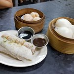 Nice liu-sha buns and chee cheong fun, the shrimp dumplings are nice too!