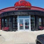 ภาพถ่ายของ Red Robin Gourmet Burgers