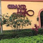 Grand Lux Cafe Foto
