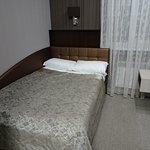 部屋、ベッド